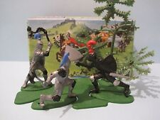 BRITAINS Plastic Toy Soldiers: KNIGHTS IN AMBUSH MINI SET #1082