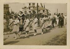 PHOTO ANCIENNE - VINTAGE SNAPSHOT - CARANTEC FÊTE FLEURS DÉFILÉ FOLKLORE 1935  3
