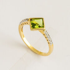 PERIDOT DIAMOND RING. BRIGHT OLIVE GREEN PERIDOT + 8 DIAMONDS IN 9K GOLD. SIZE O
