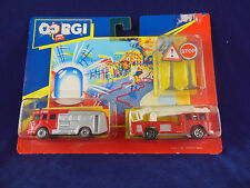 scarce 1991 Corgi Juniors Twin Pack No 92230 Fire Pumper & Fire Ladder truck