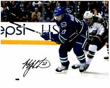 Vancouver Canucks MANNY MALHOTRA Signed Autographed 8x10 Pic