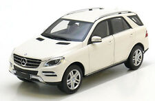 MINICHAMPS MERCEDES 2012 ML 550 WHITE 1:18 (NEW COLOR)-Nice!