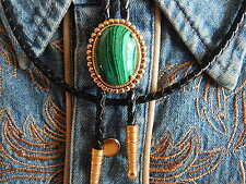 NUOVO HAND CRAFTED IN u.k.green MALACHITE Bolo Tie GOLD METAL Western in Pelle