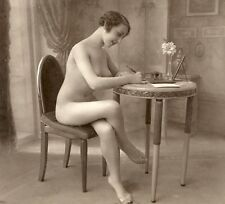a144 # kleines Photo um 1910 Pin-up gir nudo nude nu Akt Busen busty breasts