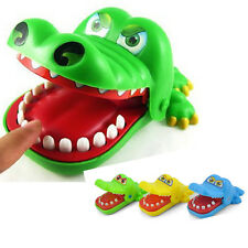1Pcs Crocodile Mouth Dentist Bite Finger Game Funny Family Toy Keychain Key Ring
