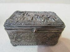 ancienne boite coffret a bijoux metal argenté decor d' enfants style renaissance