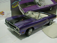 """GMP 18810 # Plymouth Road Runner Convertible Baujahr 1970 in """" violet """" 1:18 NEU"""