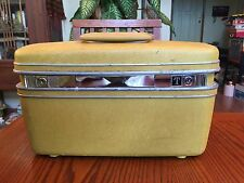 Vintage SAMSONITE TRAIN CASE Gold with Tray and Key - Very Nice!