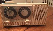 Pink Bakelite Admiral Tube Y3803 AM Alarm Clock /Radio