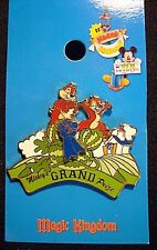 RETIRED 2003 DISNEY MICKEY'S TOONTOWN OF PIN TRADING CHIP & DALE PIN LE 750