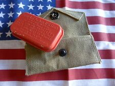 pochette pansement + boite métal rouge US WW2 FIRST AID PACKET  ( Airborne USA,