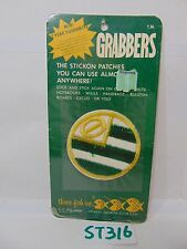 VINTAGE 1970'S EMBROIDERED PATCH GRABBERS STICK ON-ROUND FLAG GREEN-YELLOW-WHITE