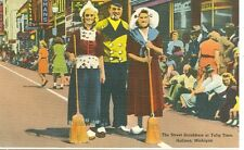 HOLLAND,MI-STREET SCRUBBERS AT TULIP TIME-LINEN-(CF-121)