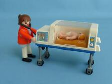 Playmobil Incubator Special Care Cot Bed & Paramedic Doctor Baby Hospital NEW