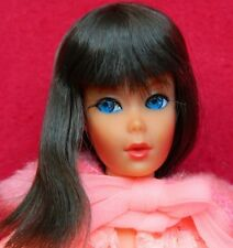 VINTAGE MOD BRUNETTE DRAMATIC NEW LIVING BARBIE DOLL w/ LOVELY SLEEP INS OUTFIT
