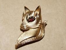Vintage Crown Trifari Goldtone Figural Cat Head Pin Brooch Red Rhinestone Eyes