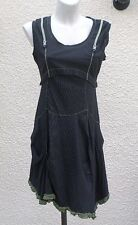 Robe Sans Manches Noire Fines Rayures Blanches Petits Volants Vert Taille 42