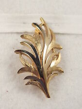 Vintage Crown Trifari Signed Leafy Frond Plant Brooch Pin Gold Tone Classic