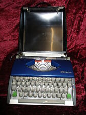 rare Olympia SF DeLuxe Portable Typewriter two tone 50`s 60`s with Case #20