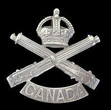 WW1 THE MACHINE GUN CANADA CAP BADGE BRASS METAL