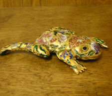 Victorian Treasures #A215-2 FROG LAYING maroon flowers, NEW from Retail Shop