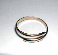 Handcrafted Gold or Silver criss cross toe ring-handmade in the USA