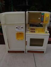 VINTAGE 1980'S LITTLE TIKES 2 PIECE KITCHEN REFRIDGERATOR & SINK W/OVEN