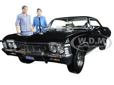 1967 CHEVROLET IMPALA SPORT SEDAN & 2 FIGURES SUPERNATURAL 1/18 GREENLIGHT 19021