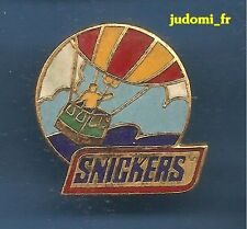 Pin's pin MONGOLFIERE SNICKERS (ref 024)