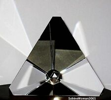 NEW in BOX STEUBEN art glass TETRAHEDRON ornamental paperweight prism tetra