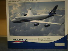 Herpa Wings 1:200 Boeing 747-400f SILK WAY Azerbaijan Cargo 554497