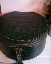 Vintage Hat Fashion Case Carrying or Hat Box Pottel Trade Mark Vinyl