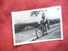 ancienne photographie de famille randonneur Vélo Allemagne Suisse OLD bike photo