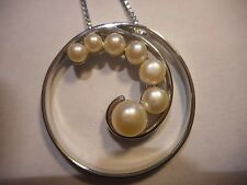Vintage 30mm Ster Pendant Necklace w/ Graduating Culture Pearl Spiral- Box Chain