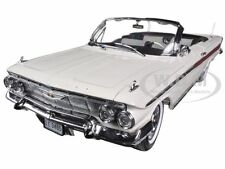1961 CHEVROLET IMPALA OPEN CONVERTIBLE ERMINE WHITE 1/18 MODEL CAR SUNSTAR 3405