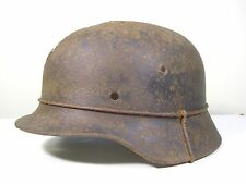 WW2 GERMAN HELMET M40.
