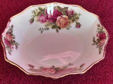 "ROYAL ALBERT-WHITE CANDY DISH-OLD COUNTRY ROSE--LENGHT-5 1/2 "" x WIDTH 5"""