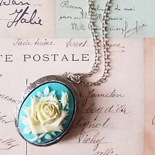 vIcToRiAn ViNtAgE HUGE BLUE CREAM ROSE CAMEO ANTIQUE SILVER LOCKET NECKLACE