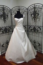 148 BLUE BY ENZOANI KONG SZ 8 IVORY  FORMAL WEDDING DRESS GOWN