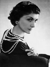 COCO CHANEL FAMOUS FRENCH FASHION DESIGN SMOKING  PHOTO  8x10 PICTURE