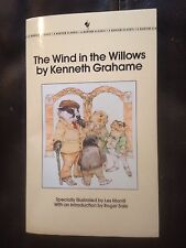 The Wind in the Willows by Kenneth Grahame,  Paperback