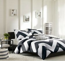 New Luxurious Reversible 4-Piece King Size Bed Comforter Set Bedding Black White