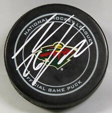 THOMAS VANEK Signed MINNESOTA WILD OFFICIAL HOCKEY PUCK! 1006468