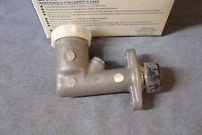 NEW MGA TWIN CAM CLUTCH MASTER CYLINDER AND RESERVOIR BHA4072Z