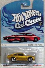 HOT WHEELS - COOL CLASSICS CARS - 09/30 - CUSTOM V-8 VEGA - Y9432 - RED CARD