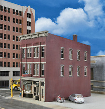 3476  Walthers Cornerstone Jewelry Store Downtown Storefront HO Scale