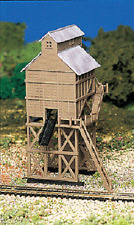 Railroad Coaling Tower Station Built Up Bachmann N Scale 45811 Plasticville