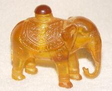 Sammeln Eine Snuff Bottles / Elephant Statue, aus Bernstein? Amber?