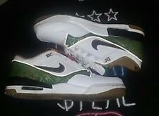 BRAND NEW NEVER WORN !!!!!!!!!!Nike Air Assult Low Premium Size 12 Lucky edition
