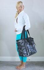 EUC Lululemon Om Tote Bag Chevron Blazer Fossil Black Gray